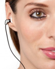 DS11_In_Ear_Lady